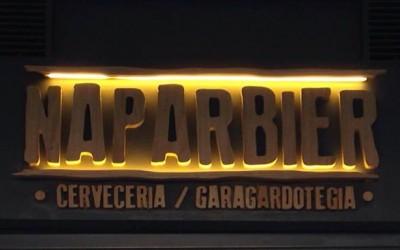 ArqTecPamplona NAPARBIER BAR Rotulo fachada